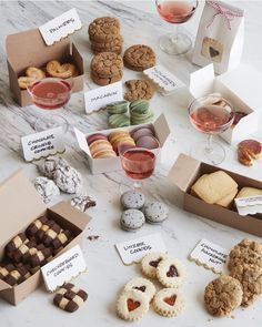 - How to Host the Ultimate Cookie Swap from www.whatsgabycook… ( How to Host the Ultimate Cookie Swap from www. Christmas Cookie Boxes, Christmas Cookies Packaging, Christmas Cookie Exchange, Cookie Packaging, Holiday Cookies, Christmas Desserts, Christmas Treats, Holiday Baking, Christmas Baking