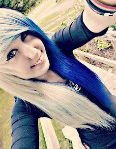 I want this hair so bad but I don't think I'll look with emo hair at all . Summer Hairstyles, Pretty Hairstyles, Emo Hairstyles, Haircuts, Half And Half Hair, Emo Scene Hair, Blue Ombre Hair, Scene Girls, Dream Hair