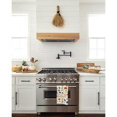 Diy Kitchen Remodel, Kitchen Redo, Kitchen And Bath, New Kitchen, Kitchen Dining, Kitchen Cabinets, Fall Kitchen Decor, Mini Kitchen, Updated Kitchen
