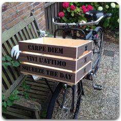 leuke fietskrat met tekst