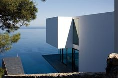 Striking pool at AIBS House, Spain by Atelier d'Architecture Bruno Erpicum & Partners Houses Architecture, Residential Architecture, Amazing Architecture, Contemporary Architecture, Interior Architecture, Water Architecture, Contemporary Houses, Architecture Panel, Architecture Images