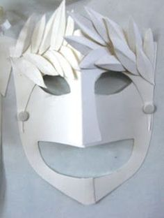 Greek comedy and tragedy masks using simple white card - great idea for English class / plays Ancient Greek Art, Ancient Greece, Greek Crafts, Drama Masks, Tragedy Mask, Greece Art, 6th Grade Art, Comedy And Tragedy, Roman Art