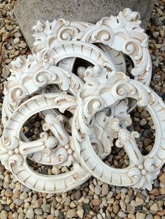 six mint wood appliques ...  why are these so cute?    http://www.stuffintheburbs.com/industrialsalvage.html