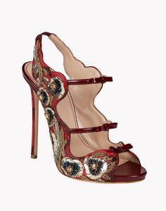 I can't imagine walking in these but they certainly are pretty to look at!