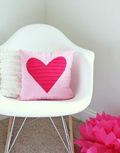 cute pillow how-to. I need to learn how to sew...