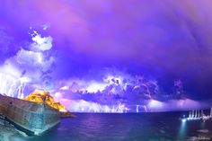 A tremendous electric night A Spectacular composition of the electric storm above the Corfiot sea and the Old Fortress of Corfu, a Unesco World Heritage, with more than 400 lightings in just 33 minutes! Aquarium, Places To Visit, Old Things, Night, Electric, Corfu Greece, Composition, Landscapes, September