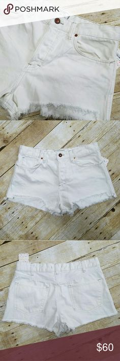 NWT Free People Cut-off Shorts NWT Off-white Free People factory cut-off shorts. 100% cotton. Free People Shorts