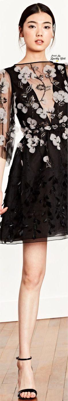Dennis Basso Resort 2019 White Chic, Black N White, White Anemone, Anemone Flower, Dennis Basso, Runway Fashion, Womens Fashion, Ermanno Scervino, Cynthia Rowley