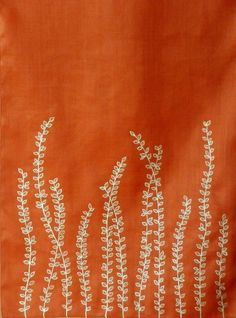 Embroidery Ideas fern table runner other simple, beautiful, embroidery ideas Embroidery Applique, Cross Stitch Embroidery, Embroidery Patterns, Quilt Patterns, Flower Embroidery, Simple Embroidery, Japanese Embroidery, Art Patterns, Fabric Art