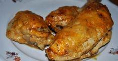 Pyszny kurczak na obiad. Wyśmienicie smakuje z frytkami i surówką z kapusty pekińskiej. Składniki: dowolna ilość porcji kurczaka (pałeczki, udka, piersi) 3 łyżki majonezu 2 łyżki ketchupu czosnek granulowany ostra papryka oregano,bazylia przyprawa do kurczaka bułka tarta PRZYGOTOWANIE: Z porcji kurczaka ściągamy skórę. Doprawiamy przyprawą do kurczaka, ostrą papryką i czosnkiem granulowanym. Majonez mieszamy z... Polish Recipes, Kfc, Baked Potato, Ketchup, Pork, Food And Drink, Turkey, Potatoes, Cooking Recipes