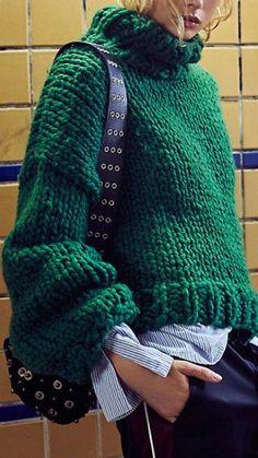 sweater chunky sweater Chunky yet funky.chunky sweater Chunky yet funky. Mode Outfits, Fall Outfits, Casual Outfits, Fashion Outfits, Fashion Ideas, Fashion Inspiration, Knit Fashion, Look Fashion, Knitwear Fashion