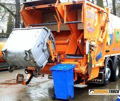 NTM KG2B w ZUZ Poznań oddział Szprotawa do zbiórki odpadów segregowanych. Lewa strona przeznaczona jest do jednorazowego załadunku pojemników od 110 do 360 litrów lub kontenerów 660 do 1100 a prawa do koszy od 110 do 360 litrów. Dwa urządzenia zasypowe mogą pracować niezależnie a odpady trafiają do odseparowanych od siebie komór. Model NTM KG-2B ma także osobne płyty prasujące w odwłoku i wypychowe w podzielonym na dwie części zbiorniku 70/30 co pozwala na zbiórkę i wyładunek różnych…