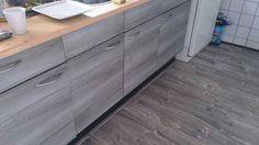 Keukenkastjes beplakt met plakfolie van action