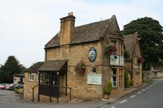 """The Snowshill Arms, used in """"The Mystery of the Rosary"""". Not sure if the interior was used as well."""
