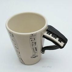 I want all these music mugs! Piano is my fav :) Music Items, Music Stuff, Café Chocolate, Mug Art, All About Music, Music Decor, Music Gifts, Sound Of Music, Piano Music