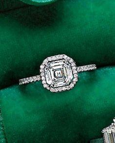 Asscher-Cut Diamond engagement ring