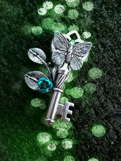 Butterfly Kiss Fantasy Key- Green