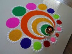 22 Quick and Easy Rangoli Ideas for Diwali 2018 you would love to copy from Source by srirupmazumdar. Easy Rangoli Designs Diwali, Rangoli Simple, Indian Rangoli Designs, Rangoli Designs Latest, Simple Rangoli Designs Images, Rangoli Designs Flower, Rangoli Border Designs, Small Rangoli Design, Colorful Rangoli Designs
