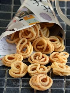 Mini Murukku recipe of Readymade Snack Murukku and Deepavali celebrations are inseparable. Without Muruku's crisping sound and firecracker's cracking sound, no one cannot imagine Deepavali. Deepavali, is Hindu festival of lights.