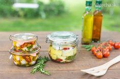 Nakladaný syr (mozarella a plesňový syr) - Mňamky-Recepty. Mozzarella, Pickles, Cantaloupe, Cucumber, Food And Drink, Cheese, Fruit, Pickle, Zucchini