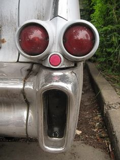 The World's Most Surprised Tail Light