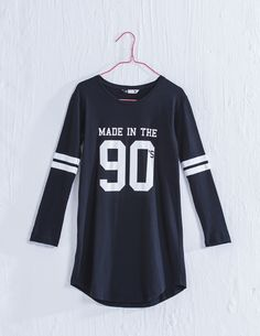 This T shirt dress is so modern and cumfortable i might just sleep i n it Shirt Dress, T Shirt, Soda, Sleep, Graphic Sweatshirt, Sweatshirts, Modern, Sweaters, How To Make