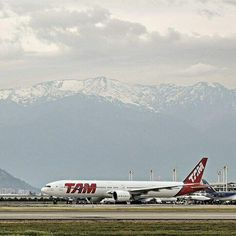 TAM Airlines Boeing 777 - photo by: @alvaro_penna