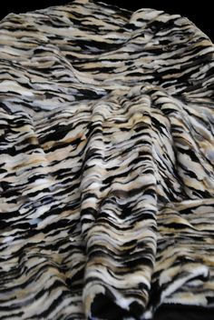 Plaid patch vison trois couleur/beige - three colors/beige mink throw #blanket #noir #blanc #fourrure #fur #Pelz #luxurythrow #furdecoration #мех #роскошь #плед #норка #Nerz www.norki-decoration.com