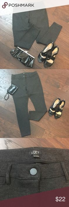 """LOFT Knit Jeggings Only worn 1x. Gorgeous and comfy Heather Grey LOFT Knit Jeggings. 10P. Inseam: 26""""; Waist L-R: 16"""".  EUC, I dry clean all my clothes and they are all in excellent condition unless otherwise stated. #JEWELRY #POSHMARK #BLING #RODEO #FASHIONISTA #COWGIRL #SOUTHWEST #ARIAT #AZTEC #WESTERN #CHIC #FAITH #RUNWAY #CROSS #TRIBAL #BOHO #KENDRA #NAVAJO #STELLA  #SOUTHERN #SPARKLE #CHIC 💞💞 LOFT Pants Leggings"""