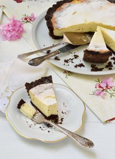 Cheesecake με ελληνικά φρέσκα τυριά: 6 συνταγές που πρέπει να δοκιμάσετε - www.olivemagazine.gr Cheesecake, Ethnic Recipes, Food, Cheesecakes, Essen, Meals, Yemek, Cherry Cheesecake Shooters, Eten
