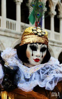 Mask >