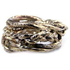 The design of this ring is reminiscent of the long braids of the strong and intelligent Sacagawea.