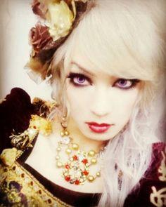 Rose Tumblr, Band Pictures, Gorgeous Women, Beautiful, Visual Kei, Transgender, Lana, Actresses, Actors