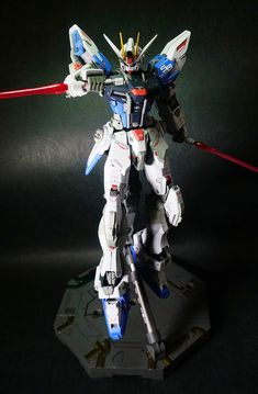 MG 1/100 Build Strike Gundam: Latest Work by Willow. Full photoreview N.34 Big Size Images http://www.gunjap.net/site/?p=190582