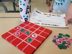 Make it Four in a row game for Dad - Father& Day gift tip! - Make it Four in a row game for Dad – Father& Day gift tip! Diy Presents, Diy Gifts, Diy For Kids, Crafts For Kids, Fathers Day Crafts, Too Cool For School, Childhood Education, Spring Crafts, Diy Cards