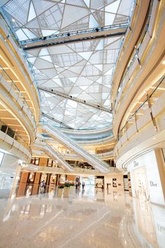 Shanghai ifc Mall in Shanghai is an exciting Architecture development by award winning Architects, Interior Designers and Graphic Designers, Benoy. Shopping Mall Interior, Shopping Malls, Retail Interior, Interior Shop, Interior Design, Mall Design, Retail Design, Dark Interiors, Shop Interiors