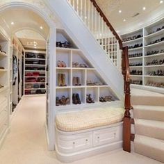 my dream closet. Can it come fully loaded?