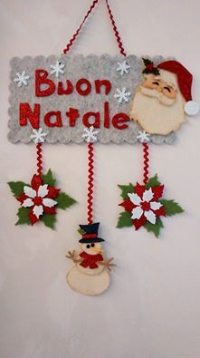 felt Merry Christmas (Buon Natale) Santa, snowman, and poinsetta wall hangings Christmas Makes, All Things Christmas, Christmas Holidays, Merry Christmas, Christmas Projects, Felt Crafts, Holiday Crafts, Felt Christmas Decorations, Felt Christmas Ornaments