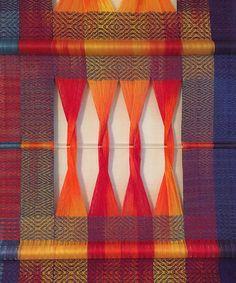 Tablet Weaving, Weaving Art, Loom Weaving, Hand Weaving, Weaving Textiles, Weaving Patterns, Textile Design, Textile Art, Pooling Crochet