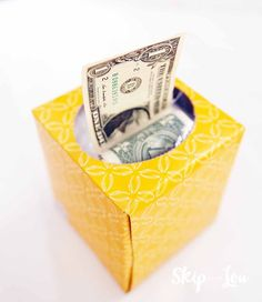 Creative ways to give money! Free printable gift tags make it super simple to gift cash and give a great money gift! Everyone loves to get cash and here are fun ways to give money! Homemade Gifts, Diy Gifts, Best Gifts, Birthday Gifts For Teens, Gifts For Kids, Folding Money, Free Printable Gift Tags, Free Printables, Mason Jar Diy