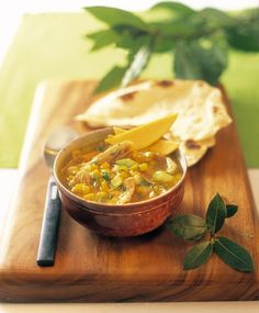 Hänchen-Currysuppe mit Mango | http://eatsmarter.de/rezepte/hanchen-currysuppe-mit-mango