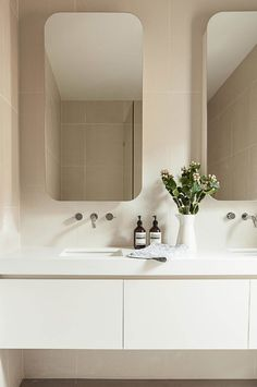 We've pulled together lots of styles, materials and layouts of the best bathrooms. Dream big! Rustic Bathrooms, Bathroom Ideas, Bathroom Toilets, Laundry In Bathroom, Bathroom Renos, Washroom, Bathroom Interior, Bathroom Renovations, Bathroom Inspiration