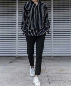 Stylish ideas for casual korean fashion 014 Korean Fashion Men, Kpop Fashion, Mens Fashion, Fashion Outfits, Korean Men, Korean Style, Fashion Trends, Grunge Outfits, Trendy Outfits