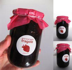 etichette marmellata da applicare sul vetro o sul coperchio dell' arbanella. Disponibili etichette marmellata di : fragola, mirtilli, prugne, ciliege, arance, pesche, mele. Stampa su PVC - diametro etichetta 38 mm.