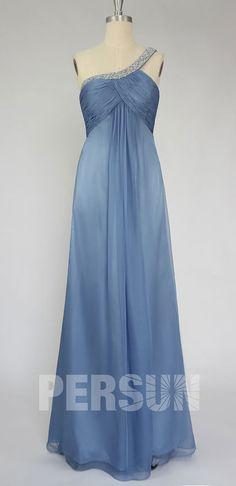 Robe de soirée bleu gris longue taille empire bustier plissé encolure asymétrique ornée de bijoux exquis Prom Dresses, Formal Dresses, Bustier, Empire, Fashion, Bun Hair, Blue Party Dress, Ballroom Dress, Blue Grey