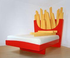 Supersize Bed | DudeIWantThat.com