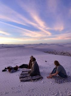 White Sands National Monument is one of the most beautiful spots in the world. It ranks up there with the scenery I saw in New Zealand and along Iceland's Laugavegur Trail. That is, it's a place of fairy-tale-like beauty. White Sands New Mexico, Desert Aesthetic, White Sands National Monument, Indiana Dunes, The Dunes, Solo Travel, Places To Go, National Parks, Scenery
