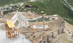 Apre oggi al pubblico Skyway for Kids, speciale parco giochi situato presso la stazione intermedia della funivia Skyway, sul Pavillon du Mont Fréty, a 2173 m di quota.  Il parco sarà molto più che uno spazio ricreativo, rappresenterà un'occasione per vedere da vicino la montagna e conoscerla, con