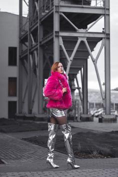 space barbie outfit : na-kd fashion earings | mango pink faux fur | public desire silver metallic boots | mango lilac blouse | mi-pac silver metallic backpack | blog modowy | fashion blog | style blog | fashion photography | hedonisticat | porcelanovva | anna jaroszewska
