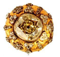 Castão de Bengala Origem: França, Paris > 1750-1770 Materiais: Ouro, Brilhantes, Prata Pertença inicial de D. José I. Roubada em Dezembro de 2002, na cidade de Haia, na Holanda.